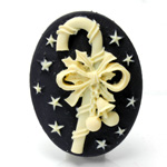 Plastic Cameo - Christmas Candy Cane Oval 40x30MM IVORY ON BLACK