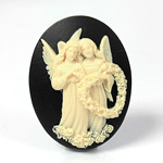 Plastic Cameo - Angels with Wreath Oval 40x30MM IVORY ON BLACK