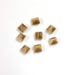 Fiber-Optic Cabochon - Pyramid Top 04x4MM CAT'S EYE BROWN
