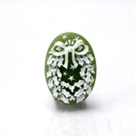 Plastic Cameo - Christmas Wreath Oval 25x18MM WHITE ON OLIVE GREEN