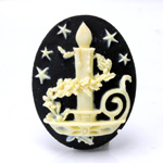 Plastic Cameo - Christmas Candle Oval 40x30MM IVORY ON BLACK